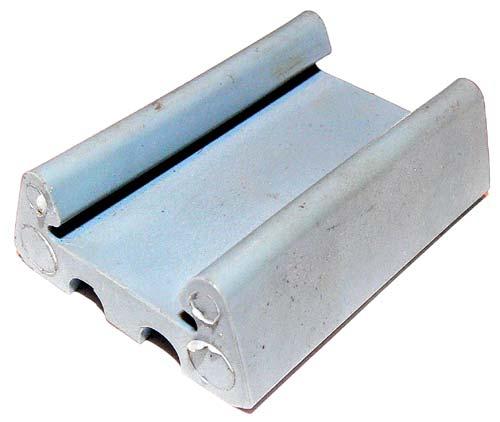 Plastehalter für Anschlaggummi Blattfeder-Bodenblech Trabant P601