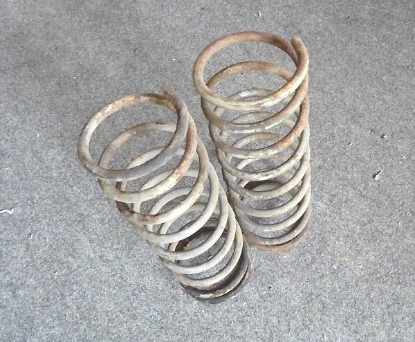 Schraubenfeder Vorderachse Trabant 1.1 original gebraucht (Paar)