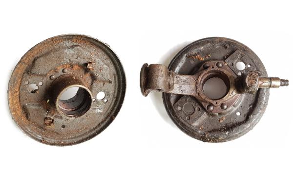 Achsschenkel vorn links bis 3-84 Trabant P601 mit Bremsankerplatte + Laufbolzen